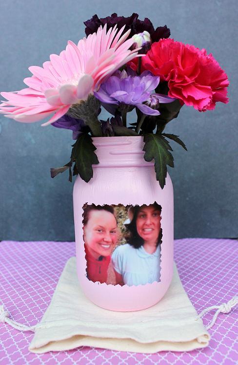DIY: Mason Jar Photo Flower Vase   Blissfulbritt on pinterest diy flower boxes, gold spray paint a glass vase, easy diy flower vase, diy gold vase, pinterest diy flower art, pinterest diy flower wreath, pinterest diy flower decor, pinterest diy flower frame,